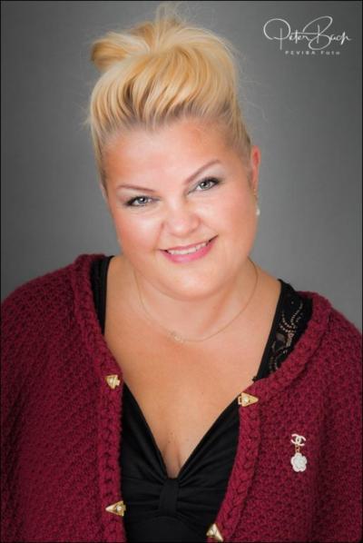 Helle-Pilar Larsen